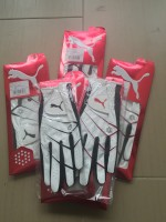 Puma Glove - White/Red & White/Black